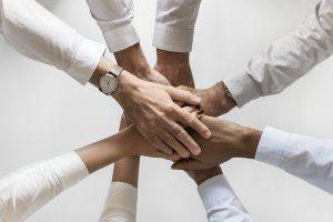 people 3152585 640 Cinco habilidades sociales básicas